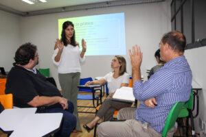 Workshop de apresentação com Raquel Barbosa mentorando equipe