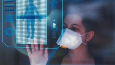 médica tocado em tela sensível ao toque